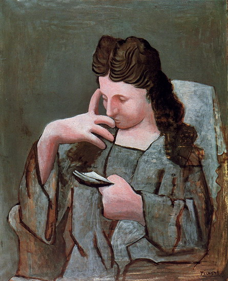 Pablo Picasso. Olga sitting in a chair reading, 1920